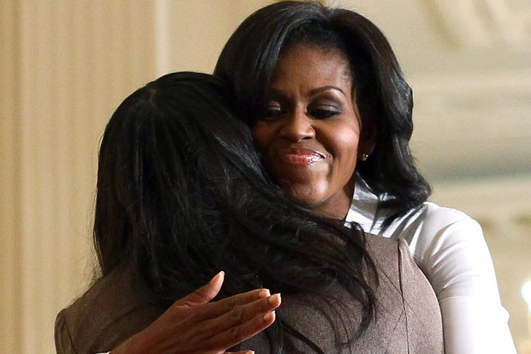 hug-tapping